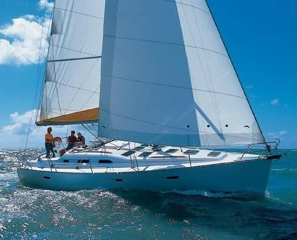 Sailboat Oceanis 393 for hire in Ibiza
