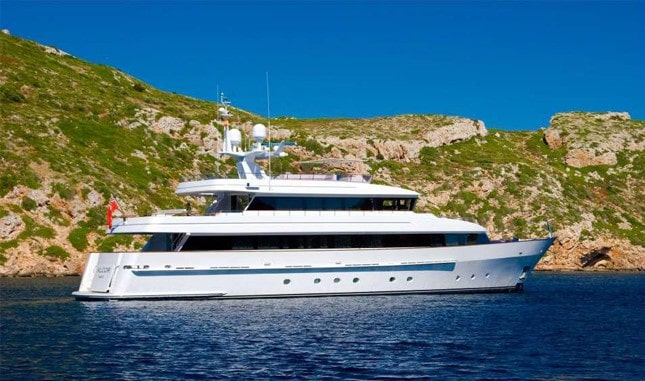 Megayacht Heesen 35M for hire in Ibiza