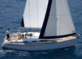 Sailboat Bavaria 31 for hire in Ibiza